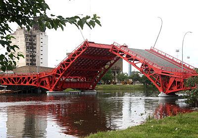 Viejo Puente Pueyrredon reacondicionado y funcionando