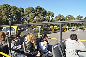 Bus Turistico gratis para alumnos primarios de Buenos Aires