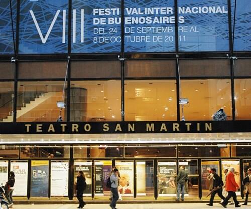 Nueva fachada del Teatro San Martin