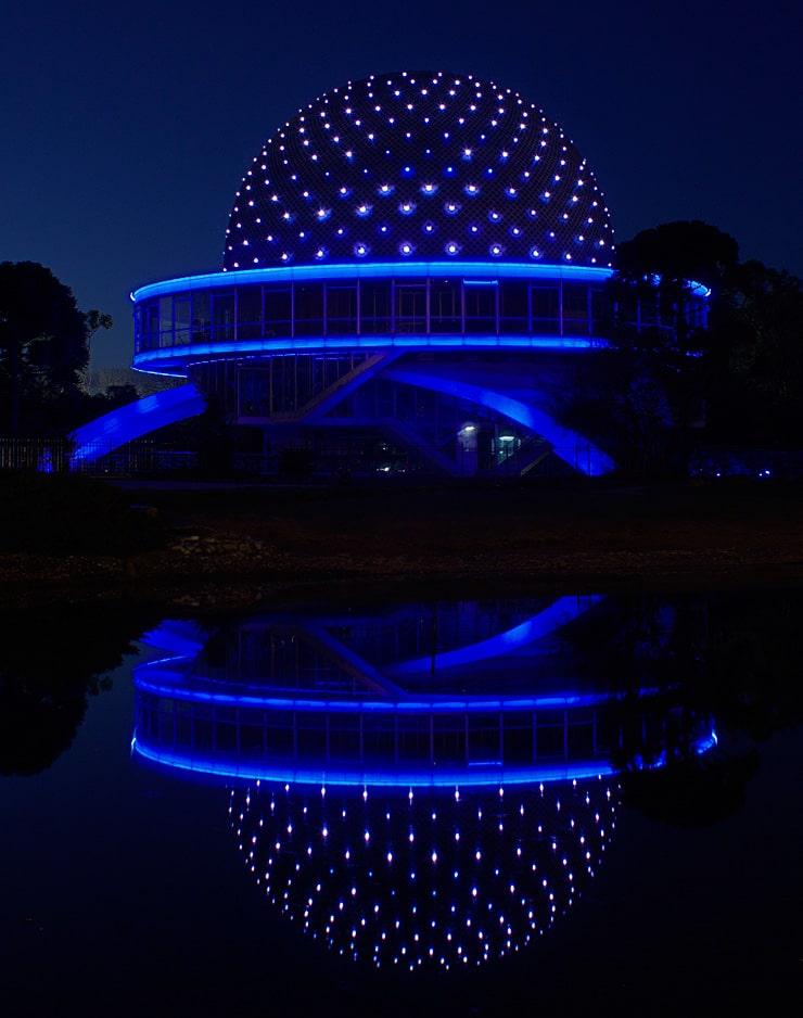 Planetario de Buenos Aires por la noche - Diciembre 2011 - VillaLugano.com