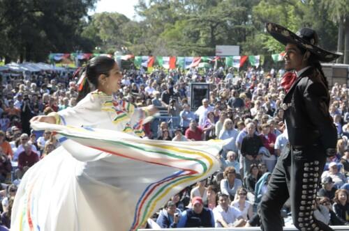 mariachis-2008a.jpg